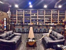 Pirate ship bar