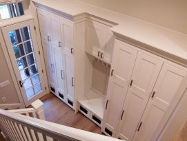 Mud room lockers with built in bench